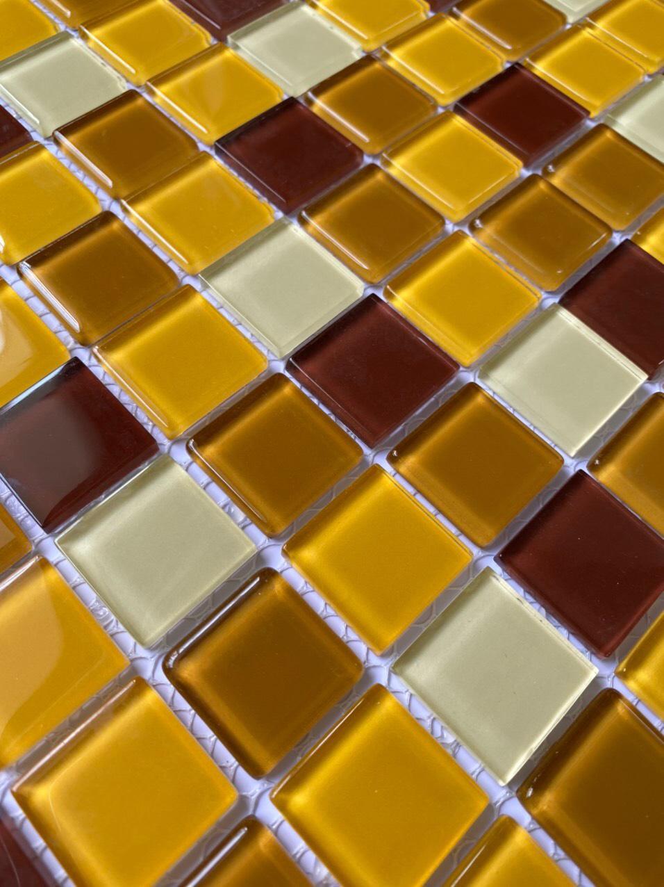 gach mosaic 30x30 vang nau