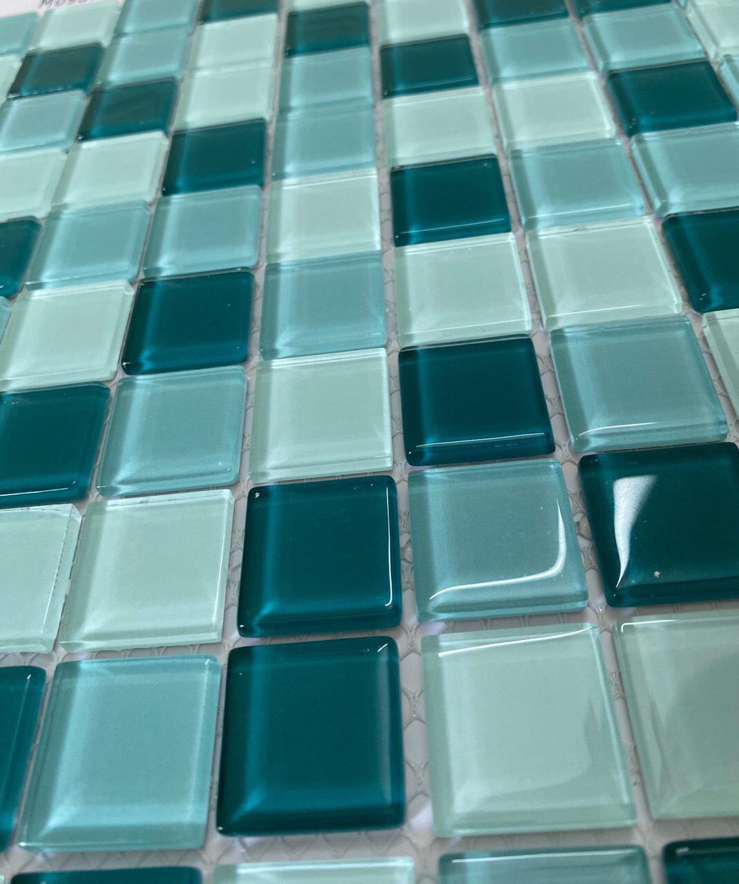 gach mosaic 30x30 xanh nhat